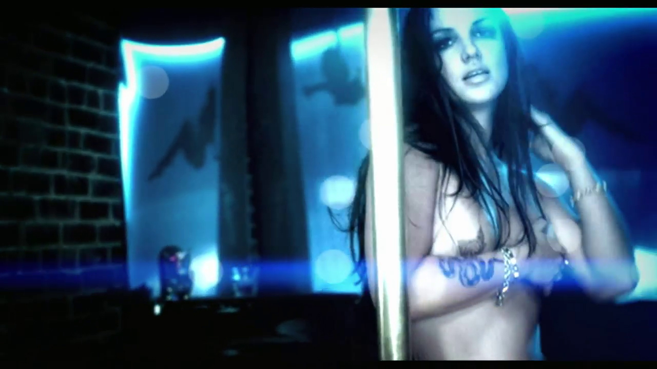 Gimme more topless video — photo 13